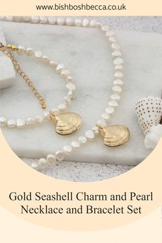 Get this gold plated seashell necklace and bracelet set for yourself or a gift for that special lady, who loves sunny days by the ocean. A really beautiful modern pearl jewellery set. Pearl Jewelry, Pearl Necklace, Seashell Necklace, Summer Jewelry, Bracelet Set, Pearl White, Sunny Days, Sea Shells, Ocean