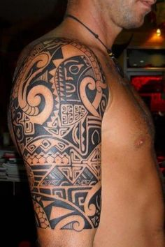 One popular tattoo that you may want to consider is Maori tattoos. Maori tattoos are a popular tattoo choice for many men. Although Maori tattoos are mainly worn by men, women do get such tattoos. Maori tattoos can be designed in a variety of. Ta Moko Tattoo, Backpiece Tattoo, Tattoo Foto, Arm Tattoo, Tribal Tattoos For Men, Tribal Sleeve Tattoos, Best Sleeve Tattoos, Men Tattoos, Tattoo Ideas