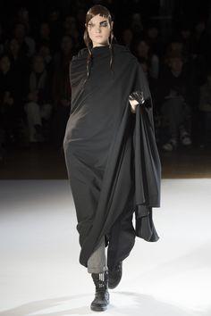 Défilé Yohji Yamamoto Automne-Hiver 2015-2016