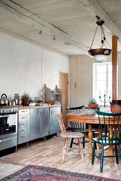 Lantligt rustikt kök