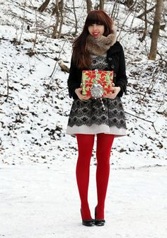 Cute Christmas outfit. Maybe without the scarf.