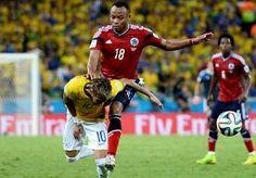 5-Jul-2014 9:13 - ZÚÑIGA: 'HET WAS EEN NORMALE ACTIE TEGEN NEYMAR'. Verdediger Juan Zúñiga noemde zijn knietje in de rug van de Braziliaanse sterspeler Neymar een 'normale actie'. 'Ik probeerde hem te schaduwen en...