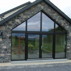 External stone cladding gallery showing examples of Century Stone products on exterior walling. Bungalow Renovation, Bungalow Exterior, Bungalow House Design, Stone Cladding Exterior, House Cladding, House Designs Ireland, Self Build Houses, House Extension Design, House With Porch