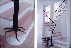 Escalera que imita un árbol.