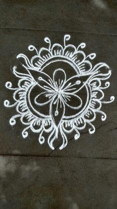 Rangoli Borders, Rangoli Border Designs, Rangoli Patterns, Rangoli Ideas, Rangoli Designs Diwali, Rangoli Designs With Dots, Rangoli Designs Images, Kolam Rangoli, Flower Rangoli