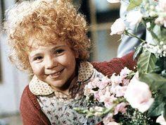 Annie. My FAVORITE movie when I was a kid!