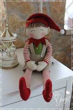 By Éphémeride seasonal calender Christmas Elf Doll, Xmas Elf, Christmas Sewing, Felt Christmas, All Things Christmas, Christmas Time, Christmas Crafts, Christmas Decorations, Christmas Ornaments