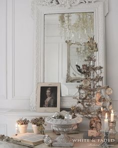 For the last couple of weeks I've worked on a French themed Christmas photo shoot... Here's a sneak peak ☺️