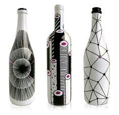 """Wine packaging: le bottiglie di vino stupiscono anche grazie al loro """"design"""". Scopriamo questo nuovo fenomeno."""
