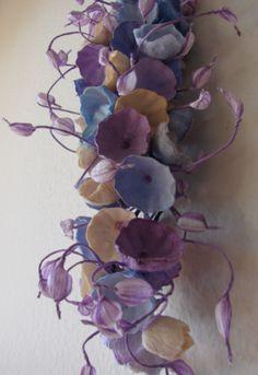Bouquet di carta . Matrimonio ecologico, Roma. Green wedding: crescent bouquet www.alessandrafabre.com