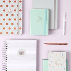 How great does it feel to be perfectly organised and in control each day? We think a beautiful diary is the perfect tool to get you started. Click the link in our bio to shop our Mid Year Diaries.