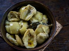 Make your own Marinated Artichokes  to satsify your #ArtichokeFever! Recipe from GluttonForLife.