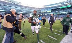 Chiefs sign CB Darrelle Revis = The Kansas City Chiefs made a splashy move on Wednesday, announcing they have signed free agent cornerback Darrelle Revis. The 32-year-old last appeared in 2016, the.....