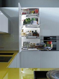 gelbes kuchendesign logos, moderne kücheninsel – vorteile der küchengestaltung mit kochinsel, Design ideen