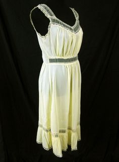 Radcliffe Size 32 Vintage 1960s Pastel Yellow Nightgown Nylon Lingerie Lace #Radcliffe