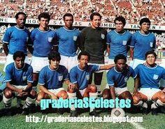 Aqui el Cristal del 1972, se le puede ver a Reynaldo Jaime de puntero izquierdo. Diciembre 19, 2016.