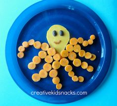 Octopus - a perfect healthy snack to make for (or with) your little one! Creative Kids Snacks, Healthy Snacks For Kids, Creative Food, Cute Snacks, Cute Food, Healthy Veggie Snacks, Toddler Snacks, Kid Snacks, Childrens Meals