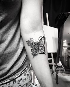 I think tiny tattoos will look a bit different on a man that a woman, of course, depends on the piece of art. Here are some ideas to love. Tattoo Girls, Girl Tattoos, Tattoos For Women, Tattoos For Guys, Ladies Tattoos, Neue Tattoos, Body Art Tattoos, Small Tattoos, Sleeve Tattoos
