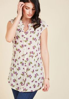 Well Within Your Peach Tunic in Ivory Blossom. Entering your backyard in this ivory tunic, you spot a juicy fruit perched at the top of your tree. #cream #modcloth