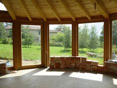Maison bioclimatique, salle à manger sous mezzanine. Haute-Loire