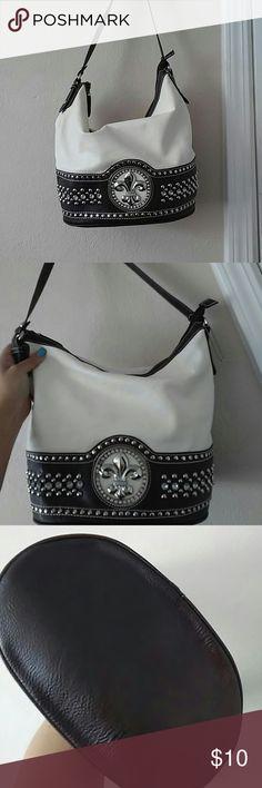 Fleur de lis cowgirl handbag Shoulder bag Slight signs of wear, markings etc. Good as a daily shoulder bag silverlake Bags Shoulder Bags