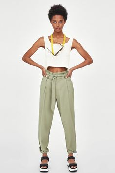 4fc81b18 Image 1 of PAPERBAG TROUSERS WITH PLEATS from Zara Paperbag Hose, Paperbag  Pants, Bago