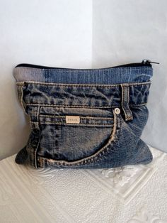 Cosmetic bag for storing cosmetics and medicines made from | Etsy Jean Purses, Purses And Bags, Denim Handbags, Denim Ideas, Denim Purse, Denim Crafts, Recycled Denim, Casual Jeans, Cosmetic Bag