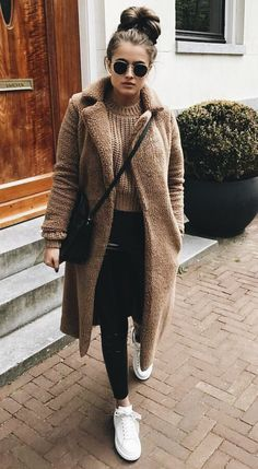 11 Fashionable Dresses Styles for Girls in Winter Winter Outfits, Browse here for more elegant and amazing dresses and outfit ideas for girls and women to wear in winter season of Casual Winter Outfits, Winter Outfits Women, Winter Fashion Outfits, Autumn Winter Fashion, Fall Outfits, Cute Outfits, Fall Fashion, Winter Fashion For Teen Girls, Winter Outfits 2019