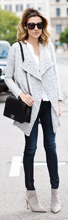 Grey And White Printed Coat by Hello Fashion