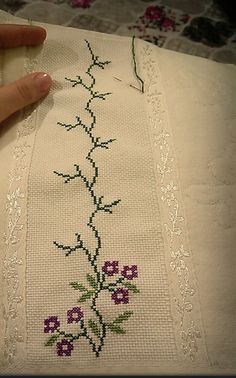bc72d130cb22f5117de13be3a9f0069f.jpg (855×1371) Crossstitch, Bags