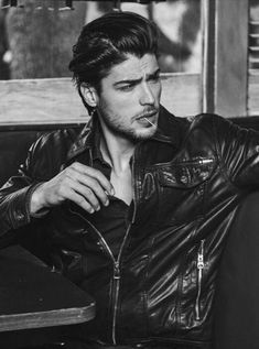 Beautiful Men Faces, Beautiful Boys, Types Of Jackets, Jacket Types, Men's Jackets, Xavier Samuel, Poses For Men, Leather Men, Leather Jackets