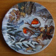Hutschenreuther Birds in Winter: Robins in the Snow  - Artist: Ursula Band