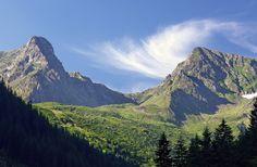 reasons to never visit Romania Carpathian Mountains Romania Tours, Visit Romania, Carpathian Mountains, Never, Castle, Landscape, Country, Beach, Travel