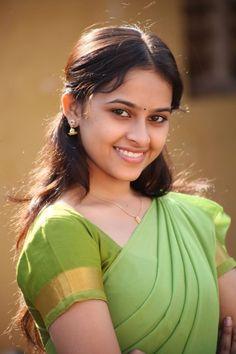 Sri Divya Actress HD Photos Gallery ~ AAI