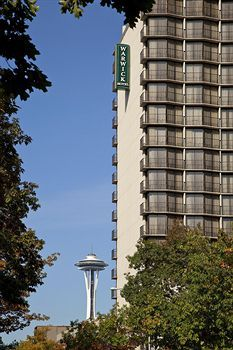 Warwick Seattle Hotel~  Stayed with Stefani in September 2013 when we went to a book signing party for the Trophy Cupcakes lady. Fabulous weekend! Then one year later, same weekend, I stayed here with Stefani, Whitnie and Sydni when we went to the Elton John concert at the Key Area. Good times!