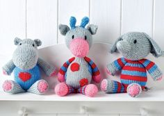 Sewing Toys Free pattern: Snuggle Buddies Toy Trio - Three new toys to make! Animal Knitting Patterns, Crochet Toys Patterns, Stuffed Toys Patterns, Doll Patterns, Crochet Pattern, Knitting For Charity, Knitting For Kids, Free Knitting, Baby Knitting