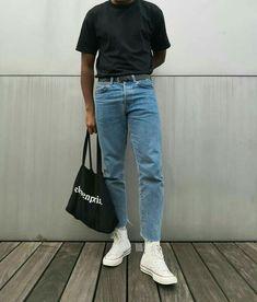 Creating the Men Minimalist Fashion Wardrobe 80s Fashion Men, Fashion Outfits, Japan Men Fashion, Teen Boy Fashion, Thrift Fashion, Hipster Fashion, Petite Fashion, Fashion Trends, Daily Fashion