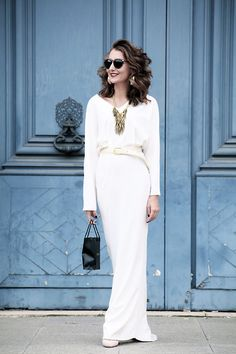 maxi white in Paris White Maxi, White Dress, All White, Personal Style, Stylists, Street Style, Style Inspiration, Formal Dresses, Chic