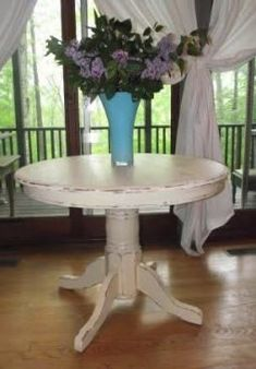 Serendipity Chic Design: Before and after shabby chic pedestal table makeover Distressed Furniture, Shabby Chic Furniture, Bedroom Furniture, Painted Furniture, Urban Furniture, Furniture Stores, Furniture Ideas, Dark Furniture, Studio Furniture