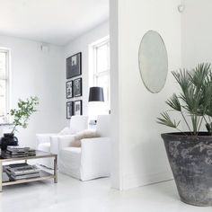 All white. Via maisonsblanches | via myscandinavianhome.se