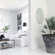 All white. Via maisonsblanches | via myscandinavianhome.se