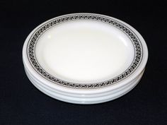 Pyrex Champagne Restaurantware 8 Inch by MothersVintage on Etsy Black And White Dishes, Vintage Pyrex, The Dish, Champagne, Plates, Patterns, Tableware, Unique Jewelry, Handmade Gifts