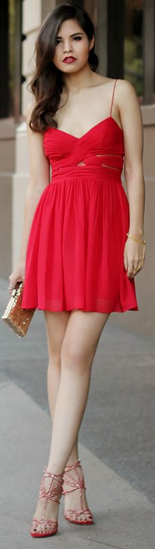 Adriana Gastélum + red chiffon dress + perfect material + summer days + strappy heels + glittery gold clutch + touch of sparkle    Outfit: Windsor.