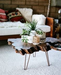 Natural wood slab table with planters – Table Ideas Wood Slab Table, Wooden Tables, Stump Table, Farm Tables, Kitchen Tables, Dining Tables, Side Tables, Rustic Coffee Tables, Diy Coffee Table