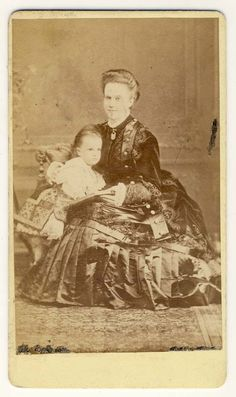 Queen Elisabeth of Romania (Carmen Sylva) with daughter, Pss Maria.