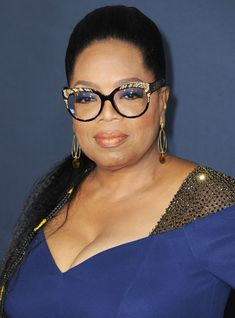 """In a new interview with British """"Vogue,"""" Oprah opened up about the mantra she says to herself when she feels lonely. Green Glasses Frames, Nice Glasses, Oprah Winfrey, Oprah Glasses, A Wrinkle In Time, Eyeglasses Frames For Women, Fashion Eye Glasses, Thing 1, Eye Jewelry"""