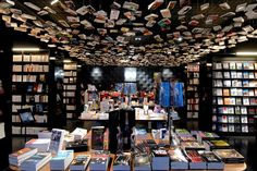 Cook & Book in Uccle, Bruxelles-Capitale - A book lovers complex; eat, read and play here