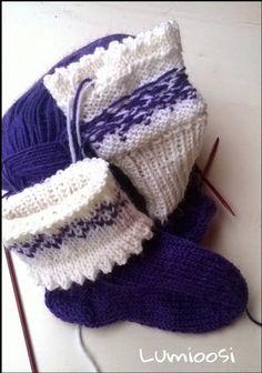 Baby Hats Knitting, Knitting Socks, Knitted Slippers, Knitted Hats, Crochet Baby Booties, Knit Crochet, Drops Design, Handicraft, Fingerless Gloves