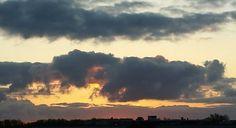 Wolken bij zonsopgang