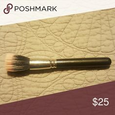 Mac 187 brush In excellent used condition. Can be used fpr foundation or cream blush or bronzer. MAC Cosmetics Other